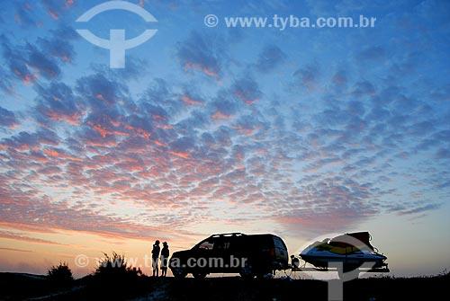 Assunto: Carro com jet ski na Praia de Massambaba / Local: Arraial do Cabo - Rio de Janeiro (RJ) - Brazil / Data: 05/2009
