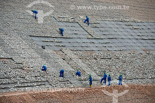 Assunto: Operários trabalhado na construção do canal de aproximação -  Projeto de Integração do Rio São Francisco com Bacias Hidrográficas do Nordeste Setentrional / Local: Floresta - Pernambuco (PE) - Brasil / Data: 08/2012