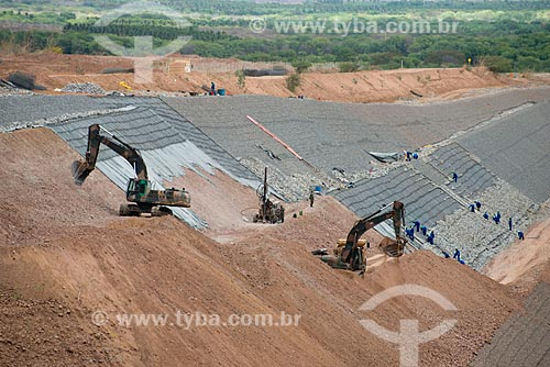 Assunto: Construção do canal de aproximação -  Projeto de Integração do Rio São Francisco com Bacias Hidrográficas do Nordeste Setentrional / Local: Floresta - Pernambuco (PE) - Brasil / Data: 08/2012