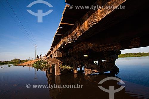 Assunto: Trecho da Rodovia Transpantaneira / Local: Mato Grosso (MT) - Brasil / Data: 06/2011