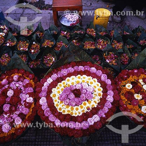 Assunto: Flores à venda nas ruas da Índia / Local: Índia - Ásia / Data: 04/2007