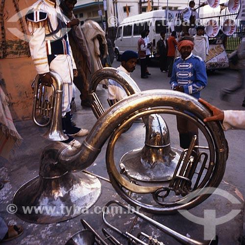 Assunto: Instrumento de sopro - tuba e trombone / Local: Índia - Ásia / Data: 04/2007