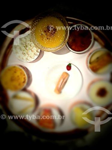 Assunto: Sobremesas - foto feita com IPhone / Local: Jardim Paulista - São Paulo (SP) - Brasil / Data: 09/2012