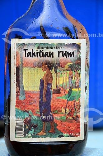 Assunto: Garrafa de rum produzido localmente / Local: Ilha Tahaa - Polinésia Francesa - Oceania / Data: 10/2012