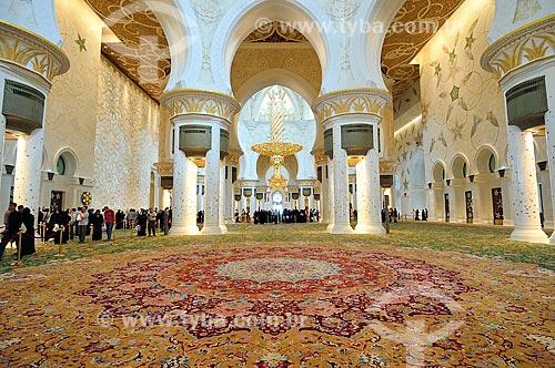 Assunto: Hall da Grande Mesquita de Abu Dhabi - Mesquita Sheik Zayed Bin Sultan Al Nathyan - o fundador do Emirados Arabes Unidos / Local: Abu Dhabi - Emirados Árabes Unidos - Ásia / Data: 03/2012