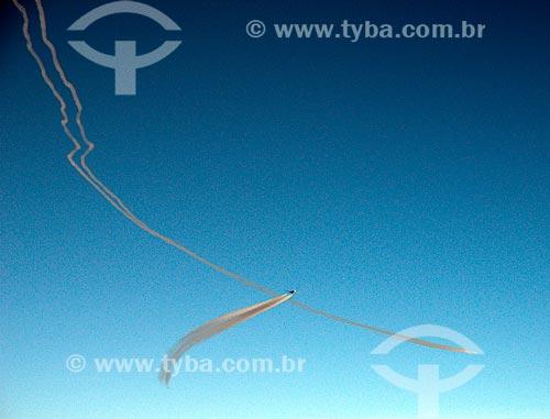 Assunto: Trilha de condensação deixada por um avião / Local: Próximo à fronteira entre a Turquia e o Iraque / Data: 10/2009