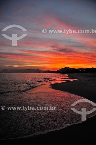 Assunto: Pôr do sol na Praia de Camboinhas / Local: Camboinhas - Niterói - Rio de Janeiro (RJ) - Brasil / Data: 07/2012