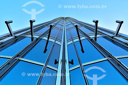 Assunto: Fachada do Edifício Burj Khalifa - edifício mais alto do mundo / Local: Dubai - Emirados Árabes Unidos - Ásia / Data: 03/2012