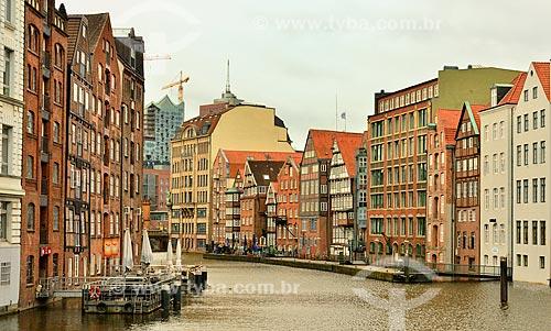 Assunto: Casas às margens do Canal Nikolaifleet / Local: Hamburgo - Alemanha - Europa / Data: 10/2011
