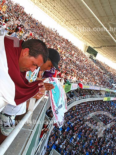 Assunto: Torcedores do Fluminense (Flavio Viana e Lucas Viana - autorizado) no estádio Olímpico João Havelange (Engenhão) durante o jogo Fluminense x Cruzeiro / Local: Engenho de Dentro - Rio de Janeiro (RJ) - Brasil / Data: 11/2012