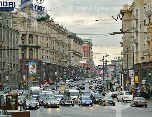 Assunto: Trânsito em rua de Moscou / Local: Bely Gorod - Moscou - Rússia - Europa / Data: 09/2010
