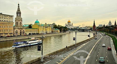 Assunto: Rio Moscou com a Catedral de Cristo Salvador ao fundo / Local: Moscou - Rússia - Europa / Data: 09/2010