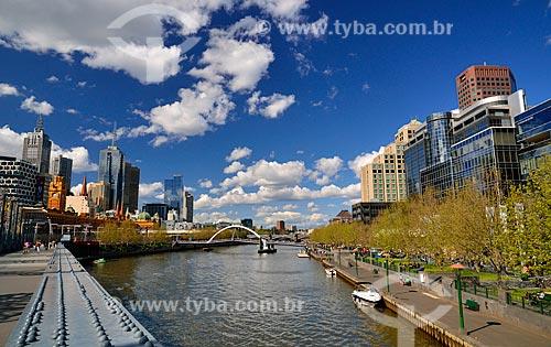 Assunto: Rio Yarra com prédios ao fundo / Local: Melbourne - Austrália - Oceania / Data: 10/2010