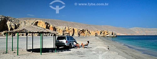 Assunto: Pessoas na Praia de Daba / Local: Distrito de Khasab - Musandam - Omã - Ásia / Data: 02/2011