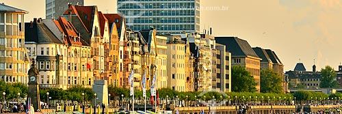 Assunto: Casarios às margens do Rio Reno / Local: Düsseldorf - Alemanha - Europa / Data: 09/2011