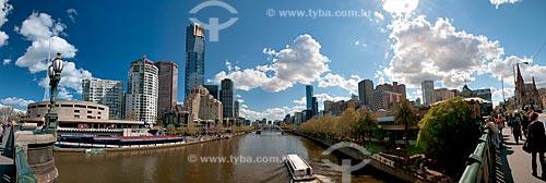 Assunto: Vista do Rio Yarra sobre a Ponte da Princesa (Princes Bridge) com o Centro de Artes à esquerda / Local: Melbourne - Austrália - Oceania / Data: 10/2010