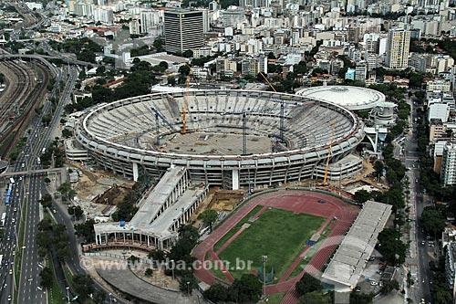 Reforma do Estádio Jornalista Mário Filho também conhecido como Maracanã para a Copa do Mundo de 2014 - Estádio de Atletismo Célio de Barros à direita e Estação Maracanã à esquerda  - Rio de Janeiro - Rio de Janeiro - Brasil