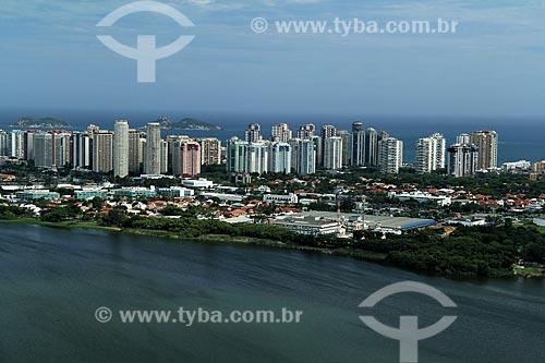 Assunto: Vista da lagoa da Tijuca, Barra da Tijuca com Ilha Alfavaca e Pontuda ao fundo / Local: Barra da Tijuca - Rio de Janeiro (RJ) - Brasil / Data: 12/2012