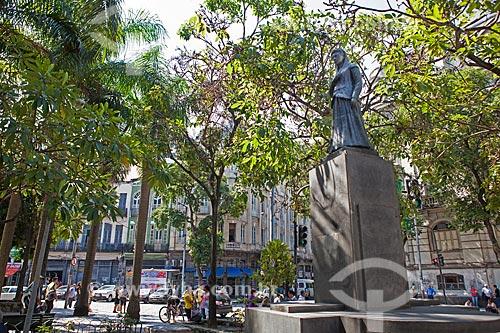 Assunto: Estátua de Ana Néri - Ana Justina Ferreira Neri - (1814 - 1880) / Local: Praça da Cruz Vermelha - Centro - Rio de Janeiro (RJ) - Brasil / Data: 11/2012