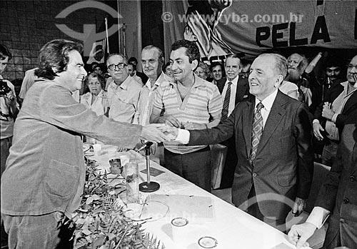 Assunto: Darcy Ribeiro e Luis Carlos Prestes na Associação Brasileira de Imprensa - ABI / Local: Centro - Rio de Janeiro (RJ) - Brasil / Data: Década de 80