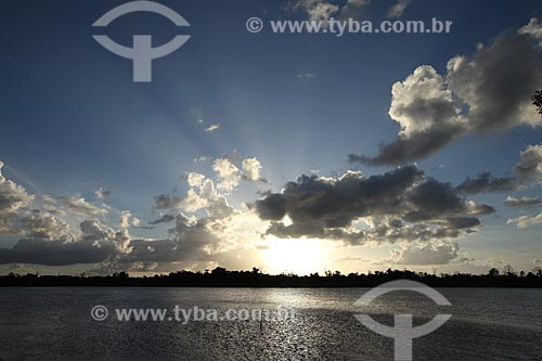 Assunto: Entardecer no Rio Araguari / Local: Amapá (AP) - Brasil / Data: 05/2012