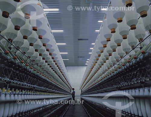 Assunto: Carretéis em indústria textil / Local: Rio Grande do Sul (RS) - Brasil / Data: 09/2012