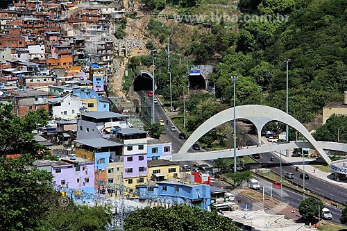 Assunto: Vista da passarela da Rocinha, autoestrada Lagoa - Barra e entrada do Túnel Zuzu Angel / Local: São Conrado - Rio de Janeiro (RJ) - Brasil / Data: 12/2012