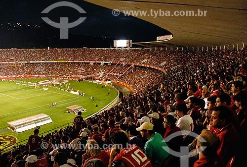Assunto: Torcedores acompanhando a partida entre Internacional x Fluminense - Campeonato Brasileiro 2011 / Local: Porto Alegre - Rio Grande do Sul (RS) - Brasil / Data: 11/2011