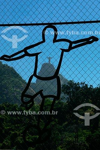 Assunto: Desenho na tela de proteção do Fluminense Football Club com o Corcovado ao fundo / Local: Laranjeiras - Rio de Janeiro (RJ) - Brasil / Data: 01/2008