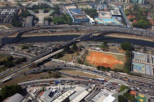 Assunto: Rodovia Presidente Dutra ou via Dutra (BR-116) e Marginal Tietê / Local: São Paulo (SP) - Brasil / Data: 10/2012
