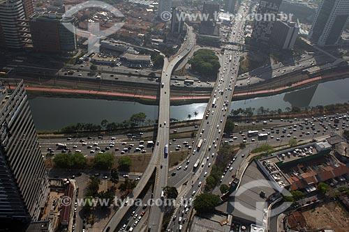 Assunto: Vista aérea da Avenida Rebouças cruzando o Rio Pinheiros / Local: São Paulo (SP) - Brasil / Data: 10/2012