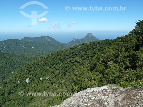 Assunto: Pedra da Gávea vista a partir do pico Tijuca Mirim / Local: Tijuca - Rio de Janeiro (RJ) - Brasil / Data: 05/2012