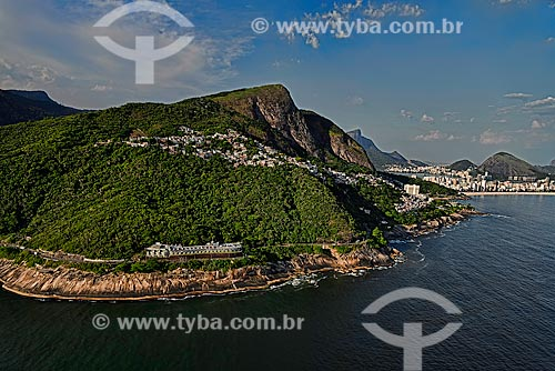 Assunto: Vista aérea da avenida Niemeyer e Favela do Vidigal com Leblon ao fundo / Local: São Conrado - Rio de Janeiro (RJ) - Brasil / Data: 12/2012