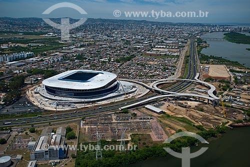 Assunto: Vista aérea da Arena do Grêmio (2012) com o Lago Guaíba ao fundo / Local: Humaitá - Porto Alegre - Rio Grande do Sul (RS) - Brasil / Data: 12/2012