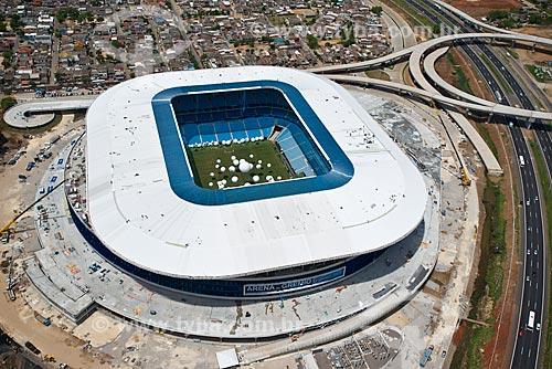 Assunto: Vista aérea da Arena do Grêmio (2012) com o viaduto que ligará as cidade de Porto Alegre e Canoas / Local: Humaitá - Porto Alegre - Rio Grande do Sul (RS) - Brasil / Data: 12/2012