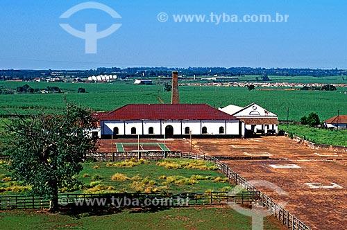 Assunto: Vista do terreiro de secagem de café e casa da fazenda Ibicaba / Local: Cordeirópolis - São Paulo (SP) - Brasil / Data: 1996