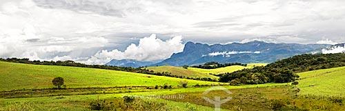 Assunto: Montanhas em Aiuruoca vistas a partir da Rodovia Vital Brasil / Local: Próximo à Aiuruoca - Minas Gerais (MG) - Brasil / Data: 01/2013