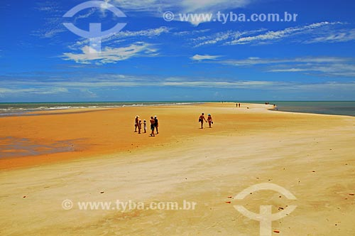 Assunto: Turistas na Praia da Ponta do Corumbal / Local: Prado - Bahia (BA) - Brasil / Data: 01/2013