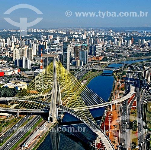 Assunto: Vista da Ponte Octavio Frias de Oliveira e rio Pinheiros / Local: São Paulo (SP) - Brasil / Data: 2008