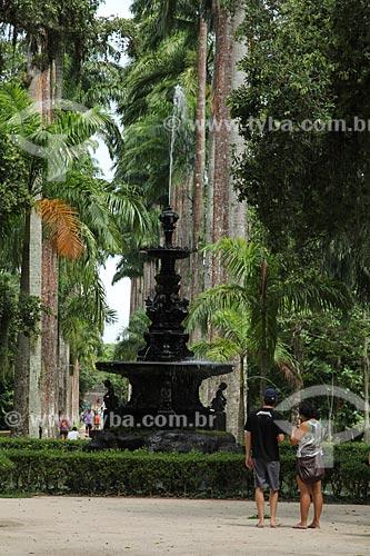 Assunto: Chafariz das Musas e Palmeiras imperiais ao fundo no Jardim Botânico / Local: Jardim Botânico - Rio de Janeiro (RJ) - Brasil / Data: 01/2013