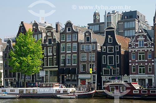 Assunto: Conjunto de casas típicas holandesas - conhecidas como Dansende Huizen (casas dançantes) por estarem tortas / Local: Amsterdam - Holanda - Europa / Data: 05/2012