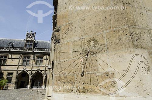 Assunto: Relógio de Sol no Musée National du Moyen Age (Museu Nacional da Idade Média) - também conhecido como Museu de Cluny / Local: Paris - França - Europa / Data: 05/2012