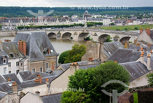 Assunto: Vista geral da cidade de Blois com a Pont Jacques Gabriel (Ponte Jacques Gabriel) ao fundo / Local: Blois - França - Europa / Data: 06/2012