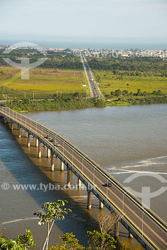 Assunto: Ponte Prefeito Laércio Ribeiro (2000) - liga as cidades de Iguape e Ilha Cumprida / Local: Iguape - São Paulo (SP) - Brasil / Data: 11/2012