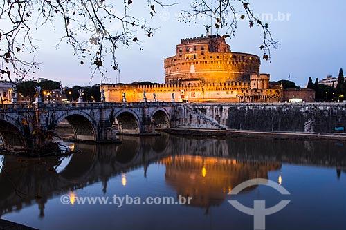 Assunto: Castelo de Santo Ângelo e Ponte de Sant Angelo sobre o Rio Tibre / Local: Roma - Itália - Europa / Data: 12/2012