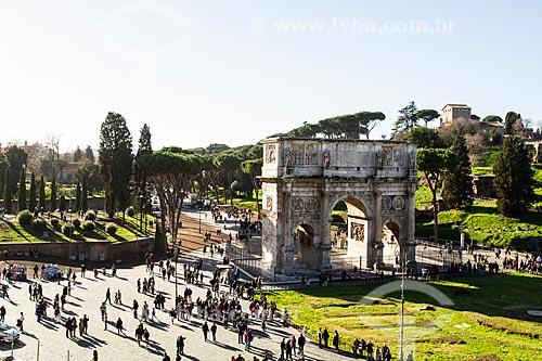 Assunto: Arco de Constantino (Arco di Constantino) visto do Coliseu / Local: Roma - Itália - Europa / Data: 12/2012