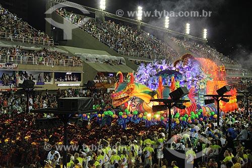Assunto: Desfile da Escola de Samba Unidos de Vila Isabel - Enredo 2013 - A Vila canta o Brasil celeiro do mundo : Água no feijão, que chegou mais um / Local: Rio de Janeiro (RJ) - Brasil / Data: 02/2013