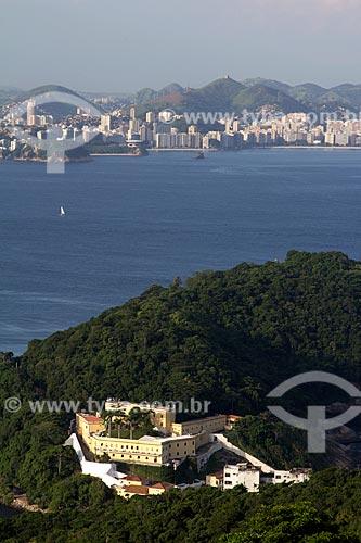Assunto: Fortaleza de São João - também conhecida como Fortaleza de São João da Barra do Rio de Janeiro - com a Baía de Guanabara ao fundo / Local: Urca - Rio de Janeiro (RJ) - Brasil / Data: 03/2013