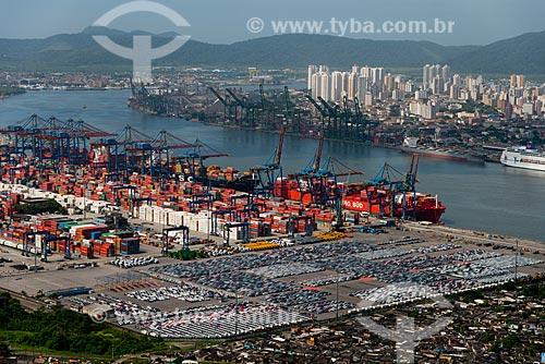 Assunto: Vista do TECON - Terminal de containers de Santos - com a cidade de Santos ao fundo / Local: Vicente de Carvalho - Guarujá - São Paulo (SP) - Brasil / Data: 02/2013