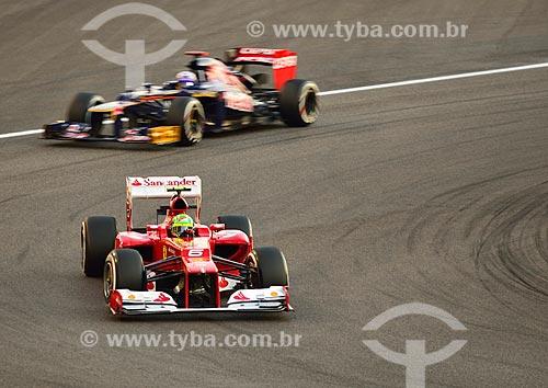 Assunto: Felipe Massa (Ferrari) e  Daniel Ricardo (Toro Rosso) durante o Grande Prêmio de Fórmula 1 no Autódromo de Abu Dhabi (Circuito de Yas Marina) / Local: Ilha Yas - Abu Dhabi - Emirados Árabes Unidos - Ásia / Data: 11/2012